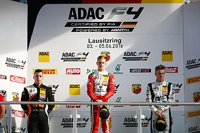Lausitzring F4: Schumacher'den çifte zafer