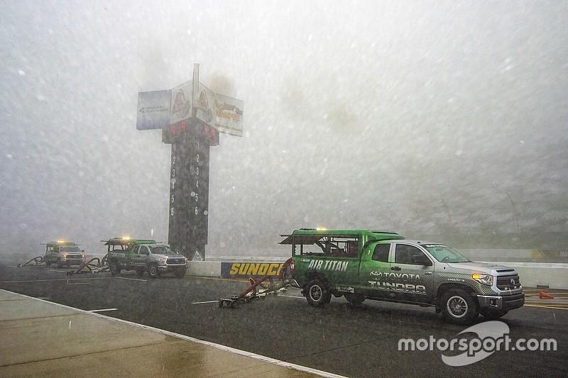 Hava durumu, NASCAR Pocono yarışının ertelenmesine neden oldu