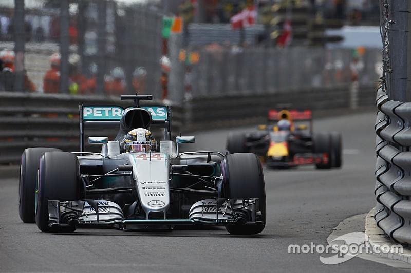 """Red Bull met """"plus de pression que jamais"""" à Mercedes"""