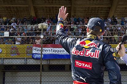 Febre na Holanda, Verstappen leva 100 mil pessoas a evento