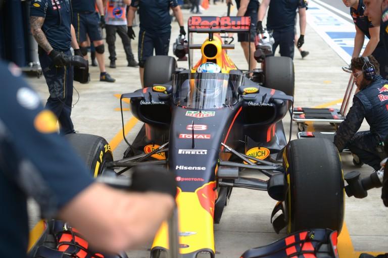 Webber szerint pár év múlva teljesen zárt lesz a Forma-1 pilótafülkéje