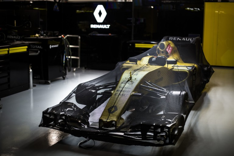 A Renault folytatná a kapcsolatot a Red Bull-lal, közben fejlesztik az RS16-ot