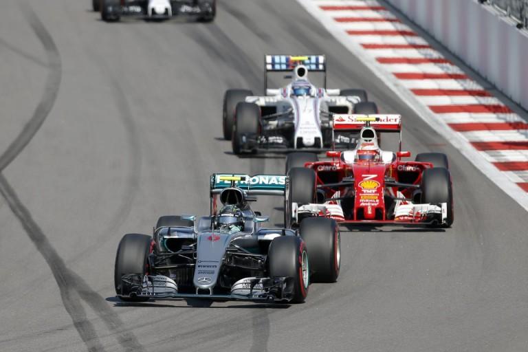 A Mercedes idén eddig nem vezetett olyan fölényesen, mint tette azt Szocsiban!