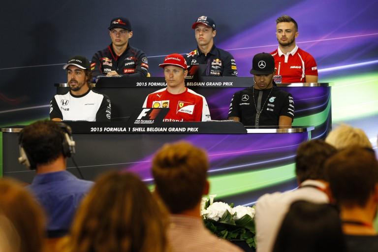 Alonso reméli, a Red Bull döntése nem vágja tönkre Verstappen, vagy Kvyat karrierjét