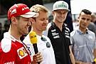 Vettel úgy pattant rá a motorra, mintha csak az Amerika kapitány lenne