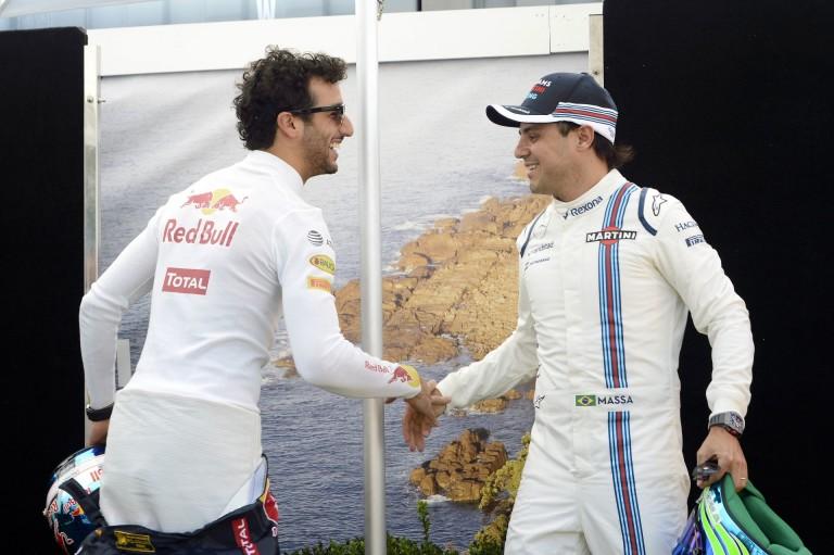 Minek Ricciardo a Ferrarihoz vízhordónak Vettel mellé? Vigyék vissza Massát...
