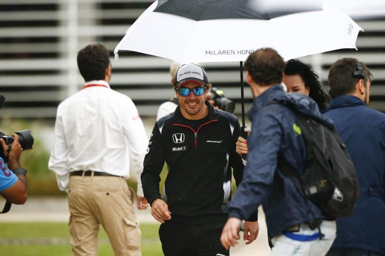 Alonso szerint nem fair Button szemére vetni, hogy kikapott egy újonctól