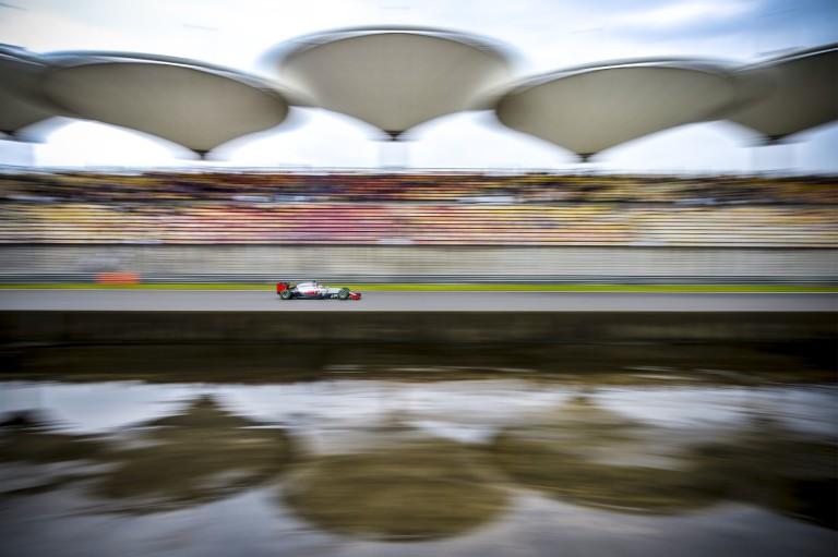 Az új szárny tette tönkre Grosjean versenyét, amit kényszerből kellett feltenni