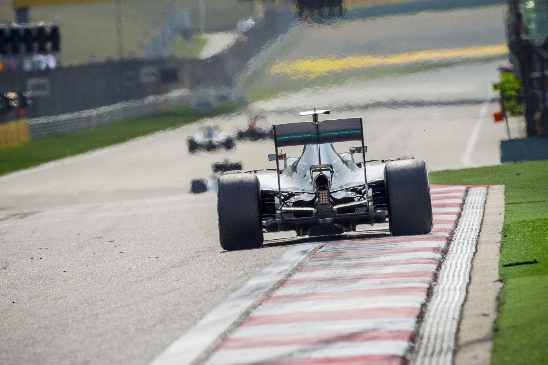 A Mercedes dolgozik az ügyön: drámai mértékben nőhet a hangerő