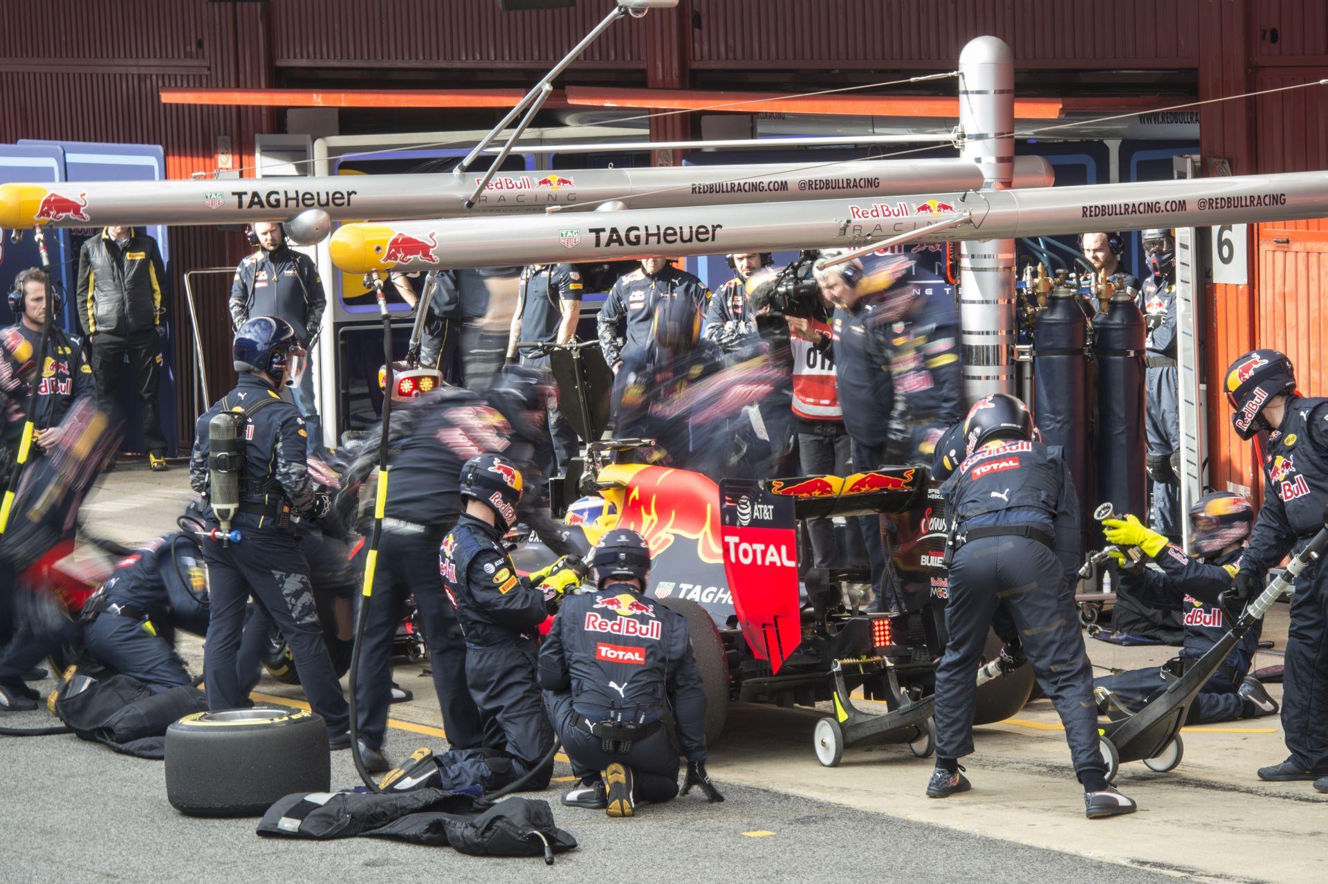 """121 kört """"tekert"""" össze a Red Bull Kvyattal: nice job"""