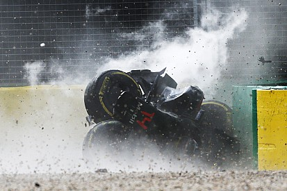 البيانات تُظهر بأنّ حادث ألونسو على سرعة 305 كيلومتر في الساعة بلغت قوته 46 جي