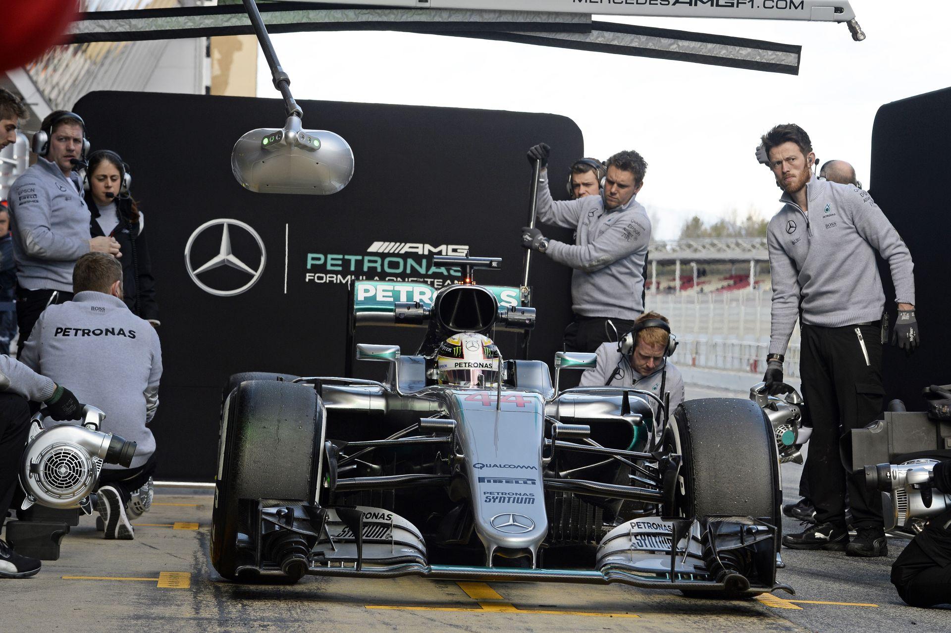 """Hamilton figyelmeztet: """"Az idei Mercedes még jobb és megbízhatóbb, mint a tavalyi"""""""