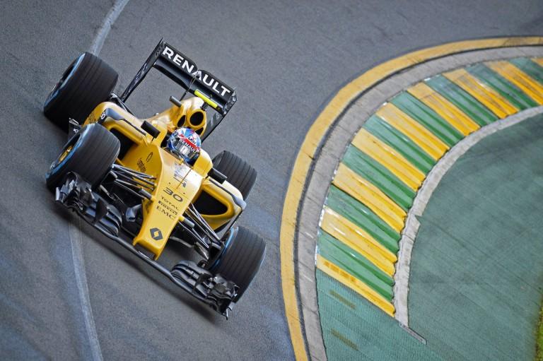 A Renault mai napja főleg ki- és bevezetőkörökből állt Melbourne-ben!