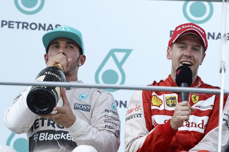 ÉLŐ F1-ES MŰSOR: jön az első Ferrari-győzelem, már Bahreinben?