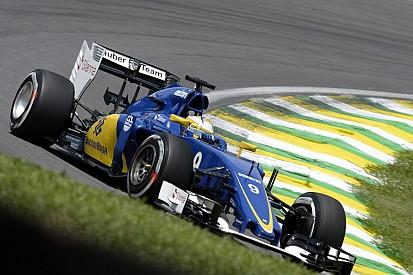 Íme a Sauber új 2016-os festése! Az új autóra még várnunk kell...