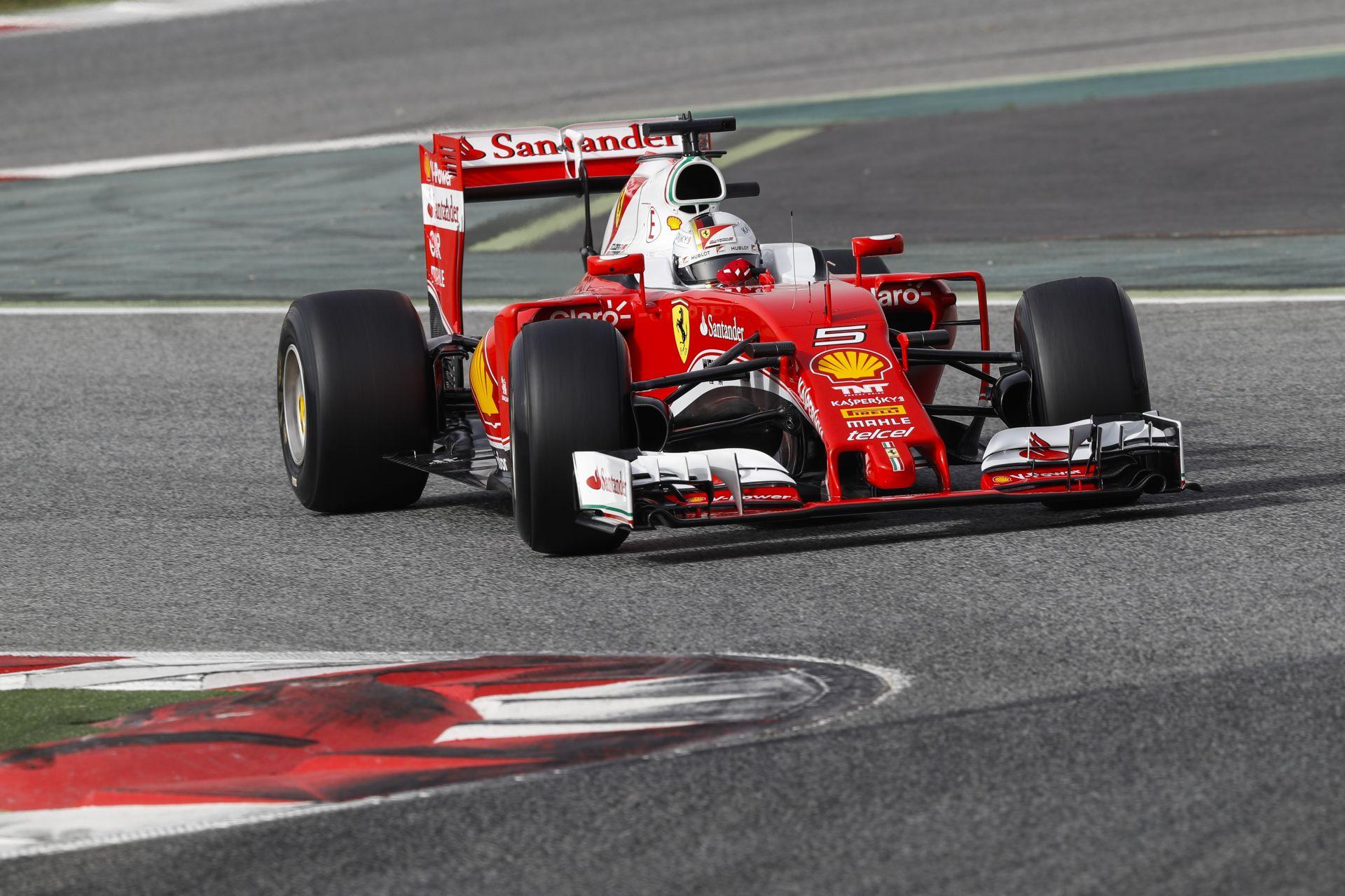 Vettel nyerte az első 2016-os F1-es tesztnapot a brutálisan aktív Mercedes előtt Barcelonában: utolsó a Renault