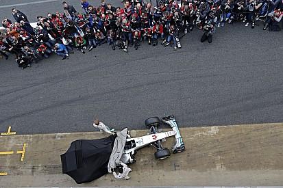 Még el sem kezdődött a versenyszezon, máris nagyobbat szól az F1?!