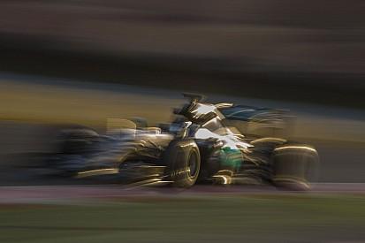 Mégsem kap teljes tesztnapot Hamilton a Mercedesnél