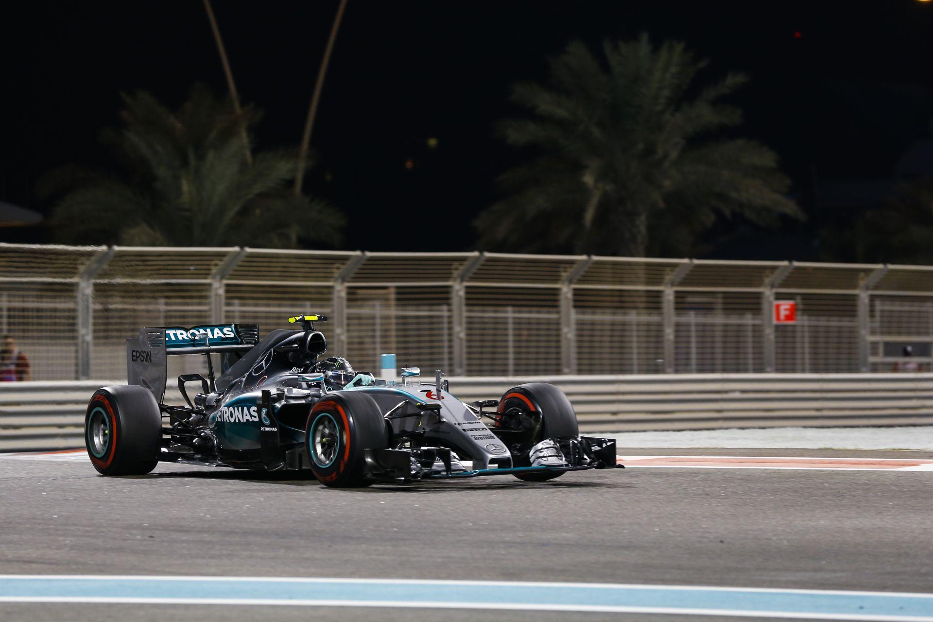 Rosberg óriási pofont adott Hamiltonnak a haldokló Mercedes motorral az időmérőn: Kimi harmadik, Vettel kiesett a Q1-ben!