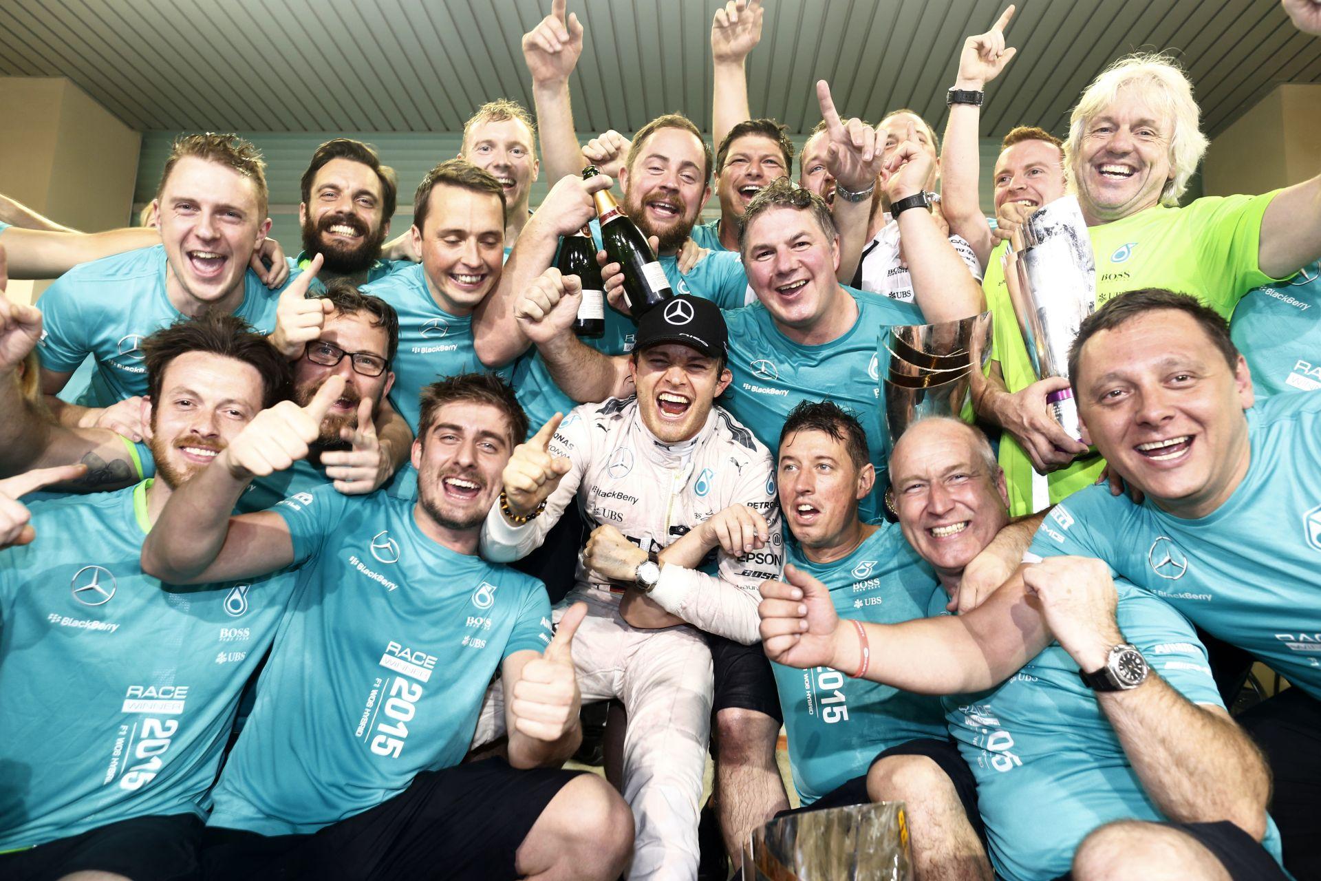 Képgaléria Rosberg újabb győzelméről: mesterhármas a végére