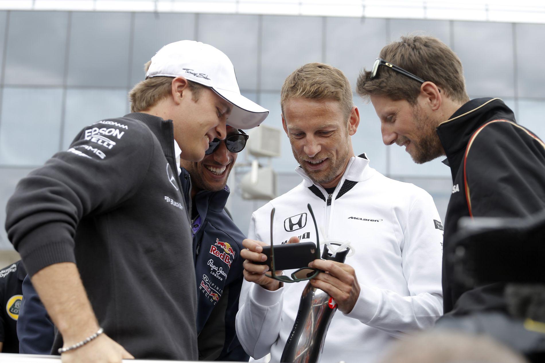 Grosjean reméli, lesz pár jó csatája Buttonnal, a mezőny elején