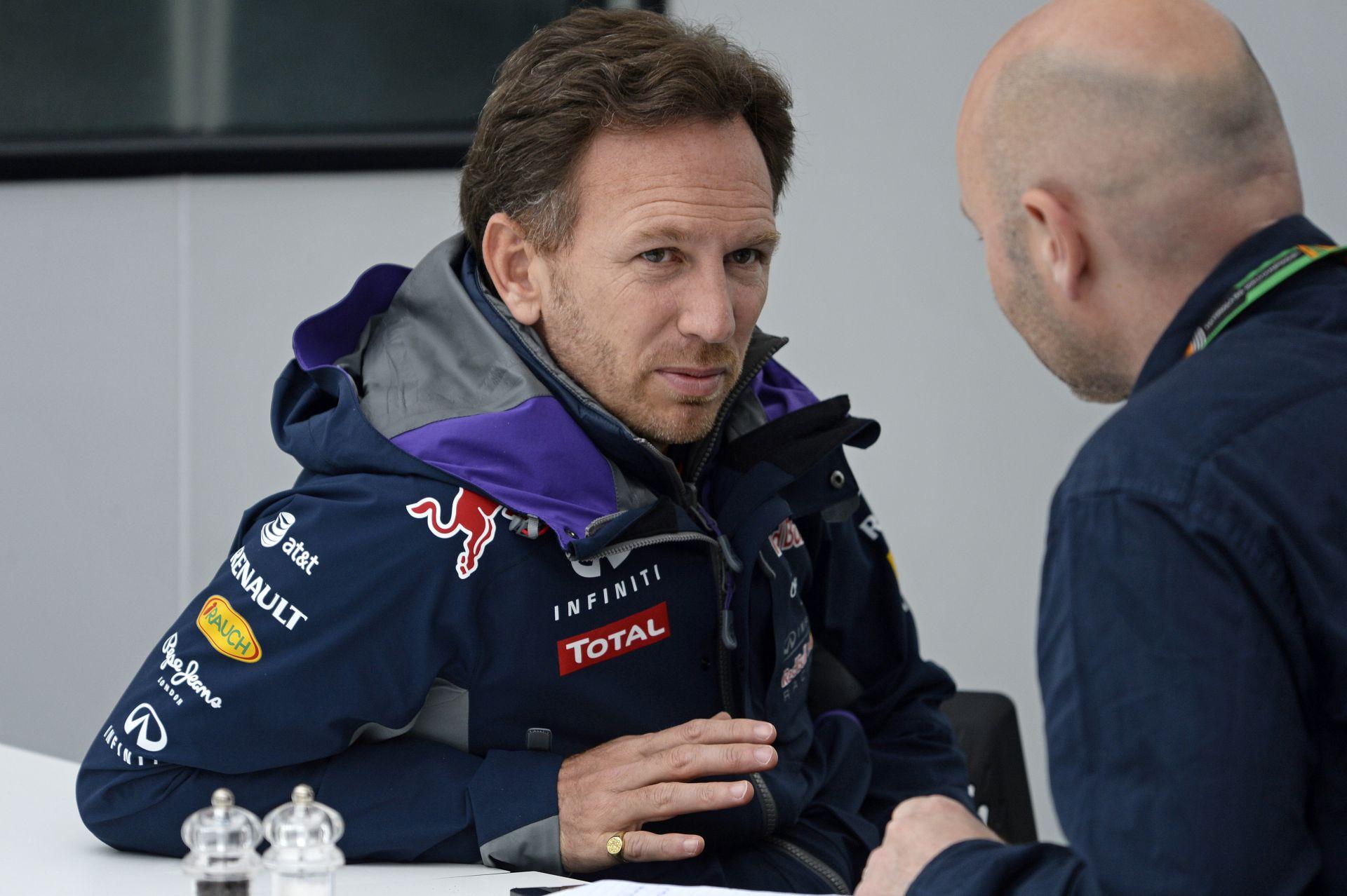 A Red Bull ismét nekiesett a Renault-nak - a Ferrari és a Mercedes ezért nem vállalja be a bikákat?