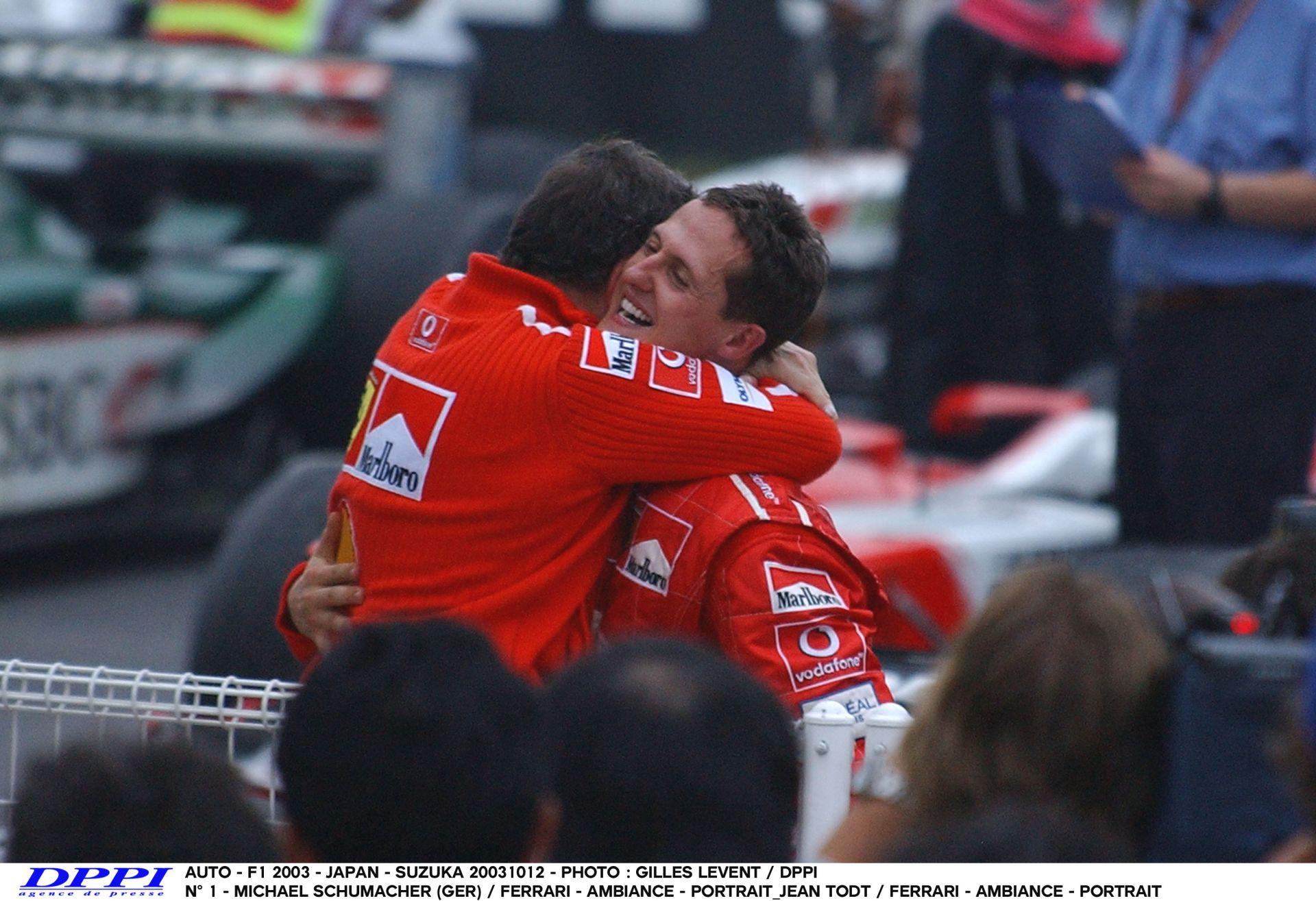 Schumacher 2003-ban ezen a napon írt történelmet a Ferrarival: hatszoros bajnok lett a német!