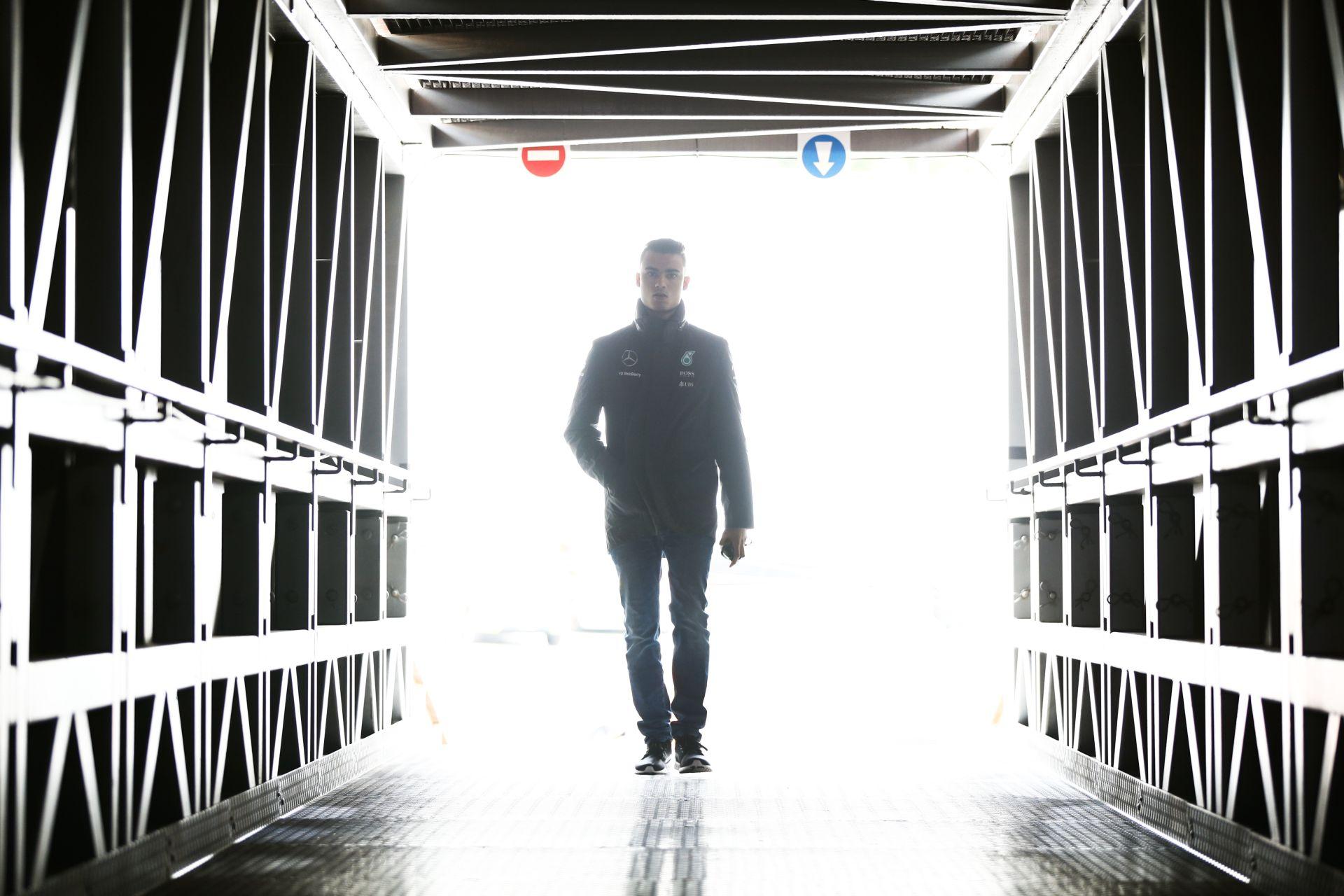 Két lehetőség is van Wehrlein számára: harmadik autó a Mercedesnél vagy Manor