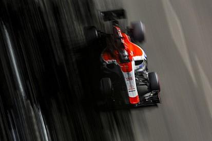 Nagyon rezeg a léc a Manornál - a végén még a Mercedes a Red Bull mellett köthet ki?