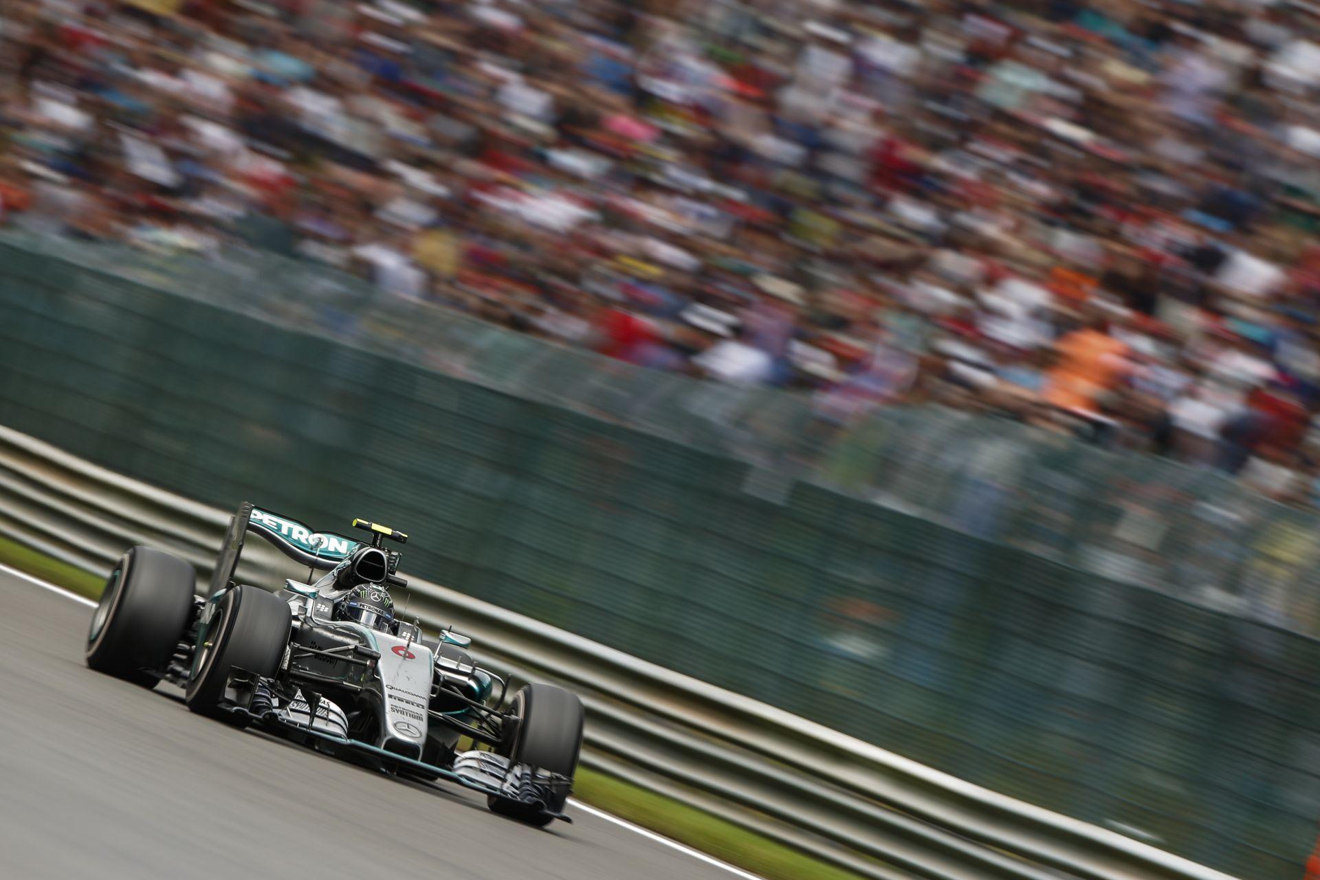 Hamiltont és Rosberget is meglepte az, hogy mennyire gyors a Mercedes Monzában