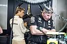 Érdekes motorsztorik Monzából: Rosberg autójából ki kellett pumpálni az új naftát