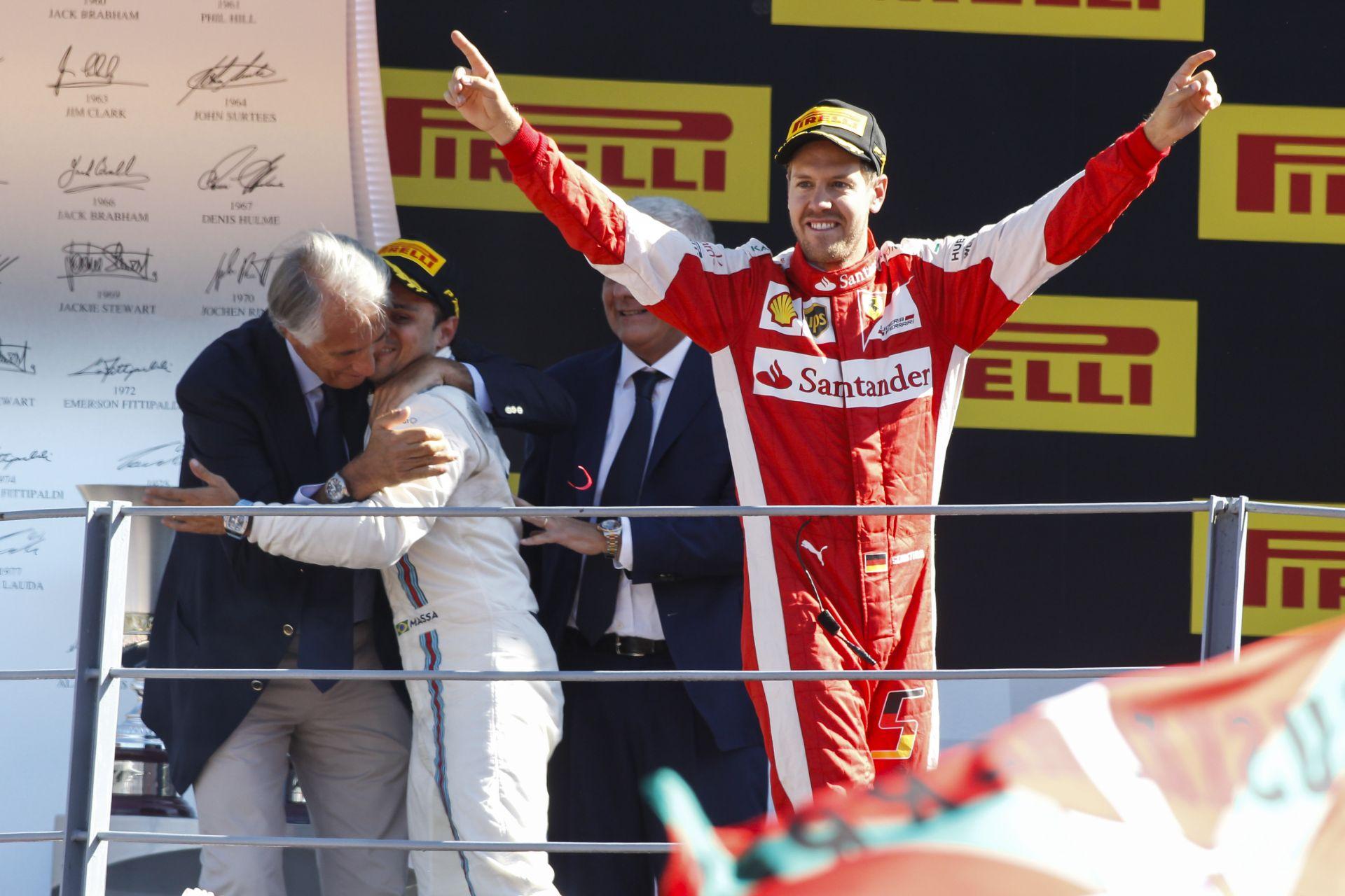 """Mekkorát változott a világ: pár éve kifütyülték Vettelt Monzában, most """"Istenként"""" éltették"""