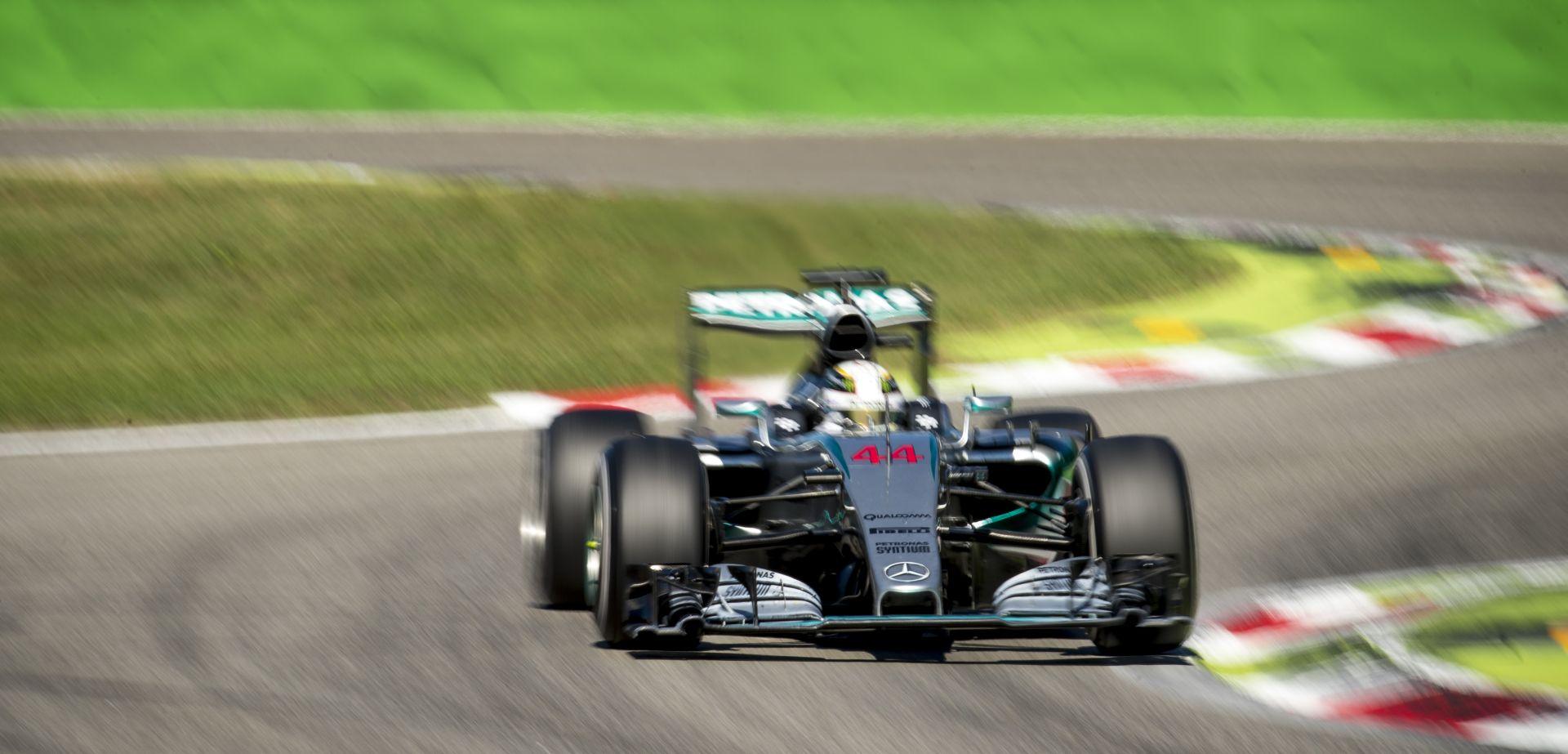 Mercedes: Álljon meg a menet, Hamilton még nem világbajnok!