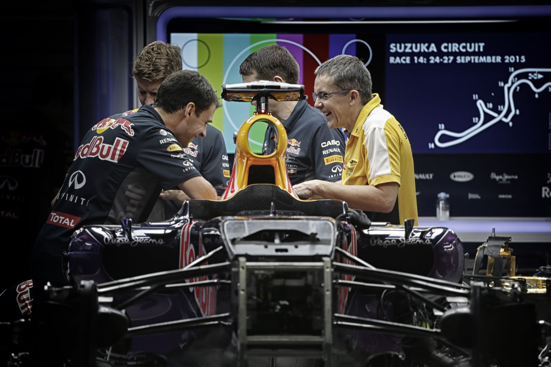 Óráról-órára változik a Red Bull helyzete a motorokkal: a Ferrari csak tavalyit adna