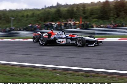 Hakkinen és Schumacher legendás csatája Spa-Francorchampsban: A legdurvább előzés a Forma-1-ben