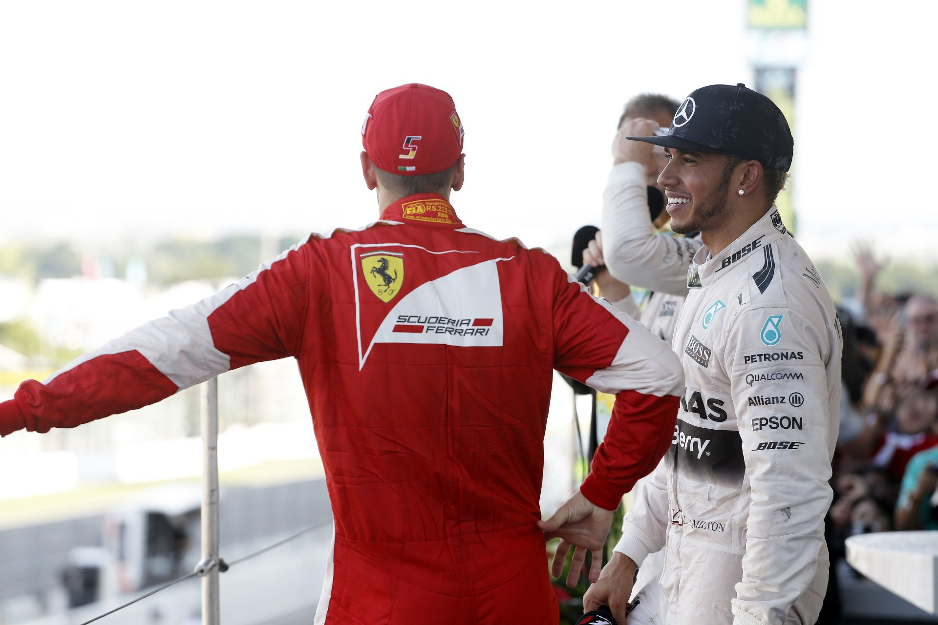 Összefog a Red Bull és a Ferrari a Mercedes ellen? Közös erővel a trónfosztásért