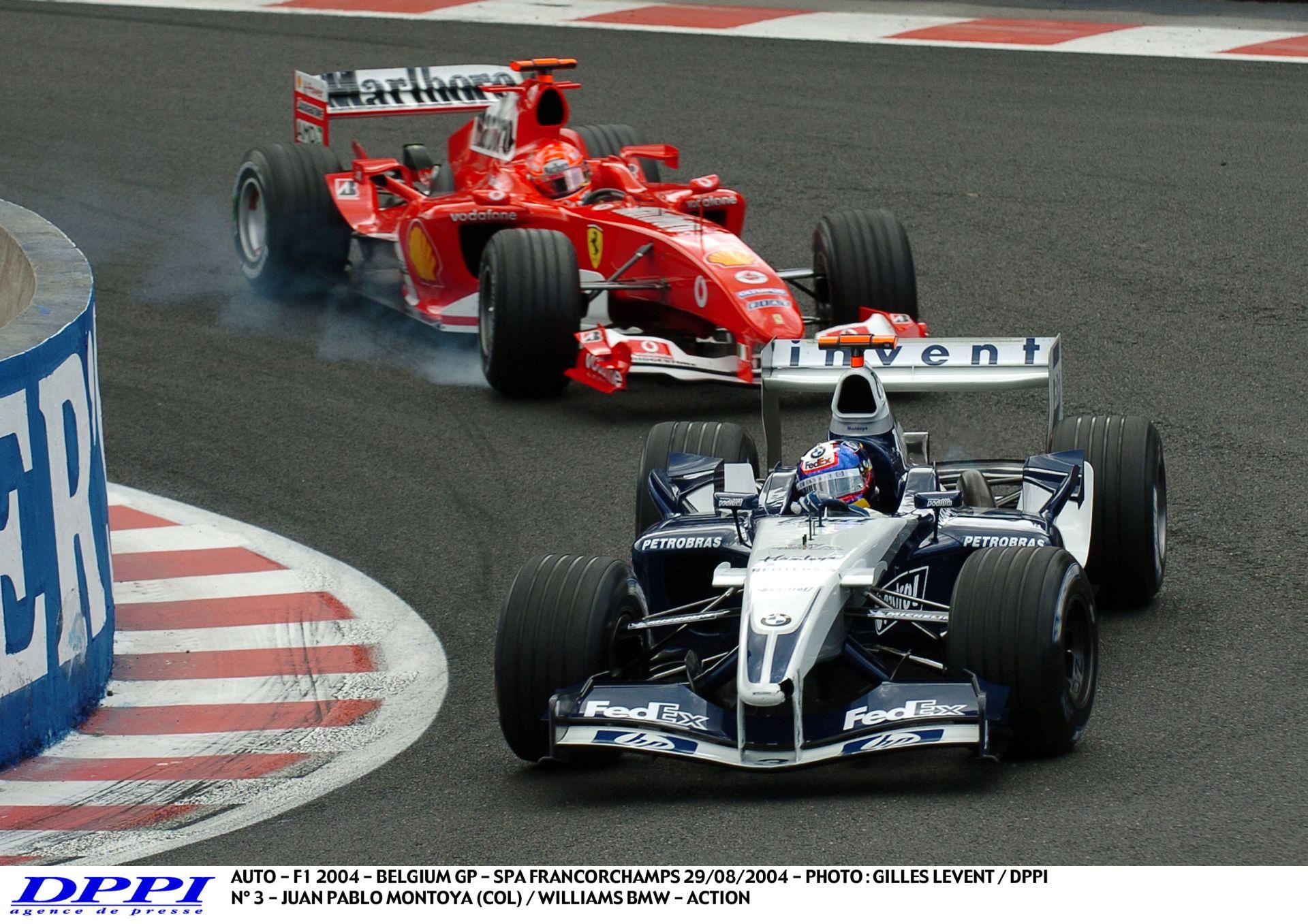 Montoya hihetetlenül agresszív előzése Schumacher ellen Belgiumban: A német sem akart hinni a szemeinek