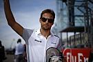 Button nagyon izgatott, bármit is tartogasson a jövő: így vagy úgy, de az F1-ben lesz