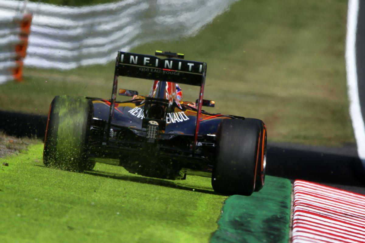 Ricciardo elismerte, hibázott, nem volt probléma - reméli, a harmadik hely meglehet a rajtrácson