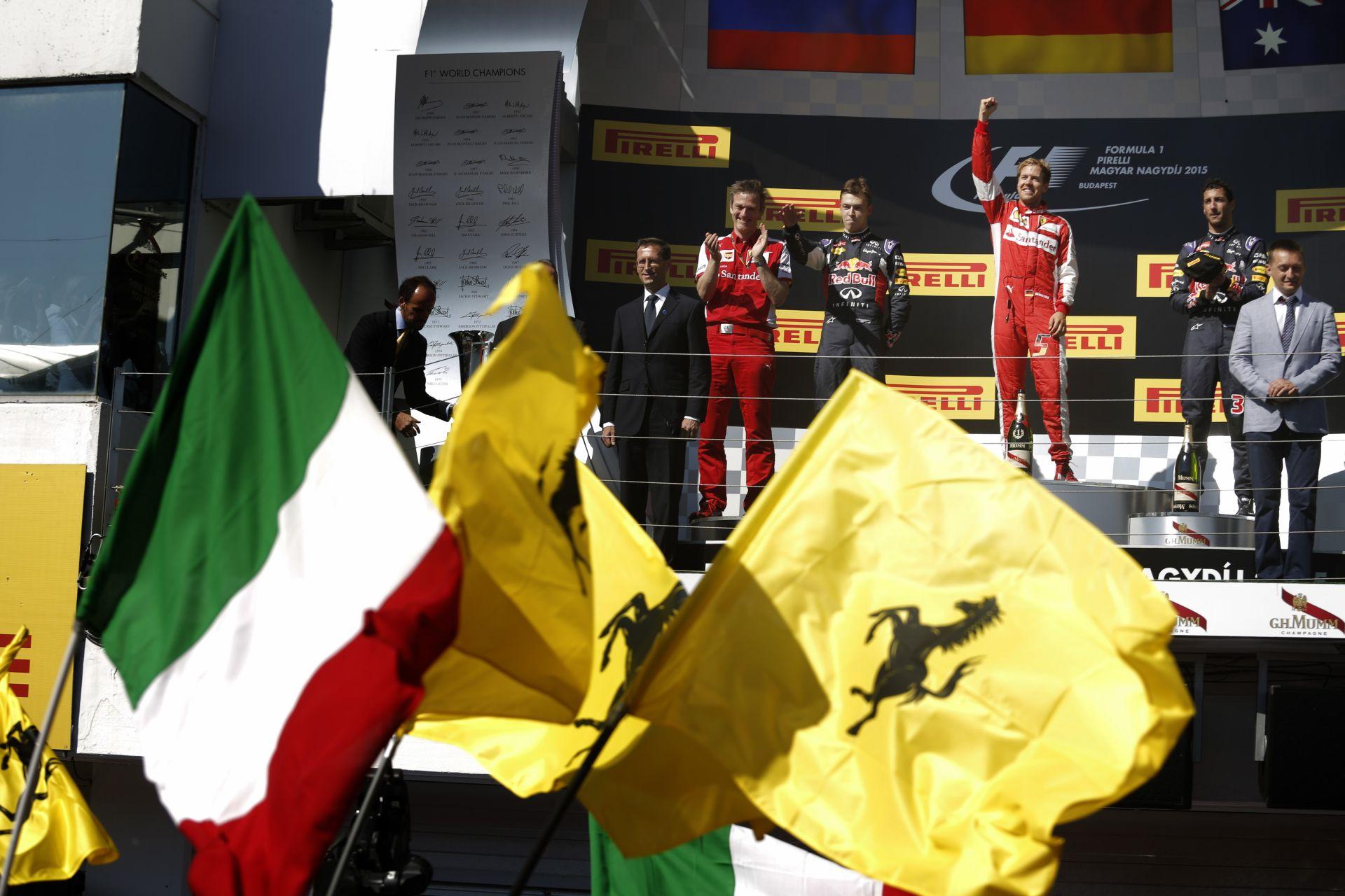 A Ferrari a Belga Nagydíjon 900. alkalommal rajtol el a Forma-1-ben!