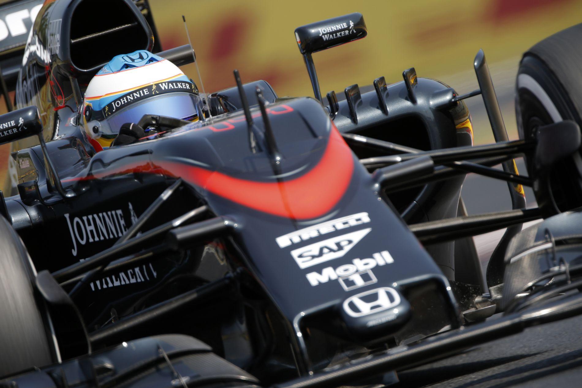 Ennyit változott a McLaren MP4-30 a Magyar GP-re: kozmetika a dupla pontszerzőn