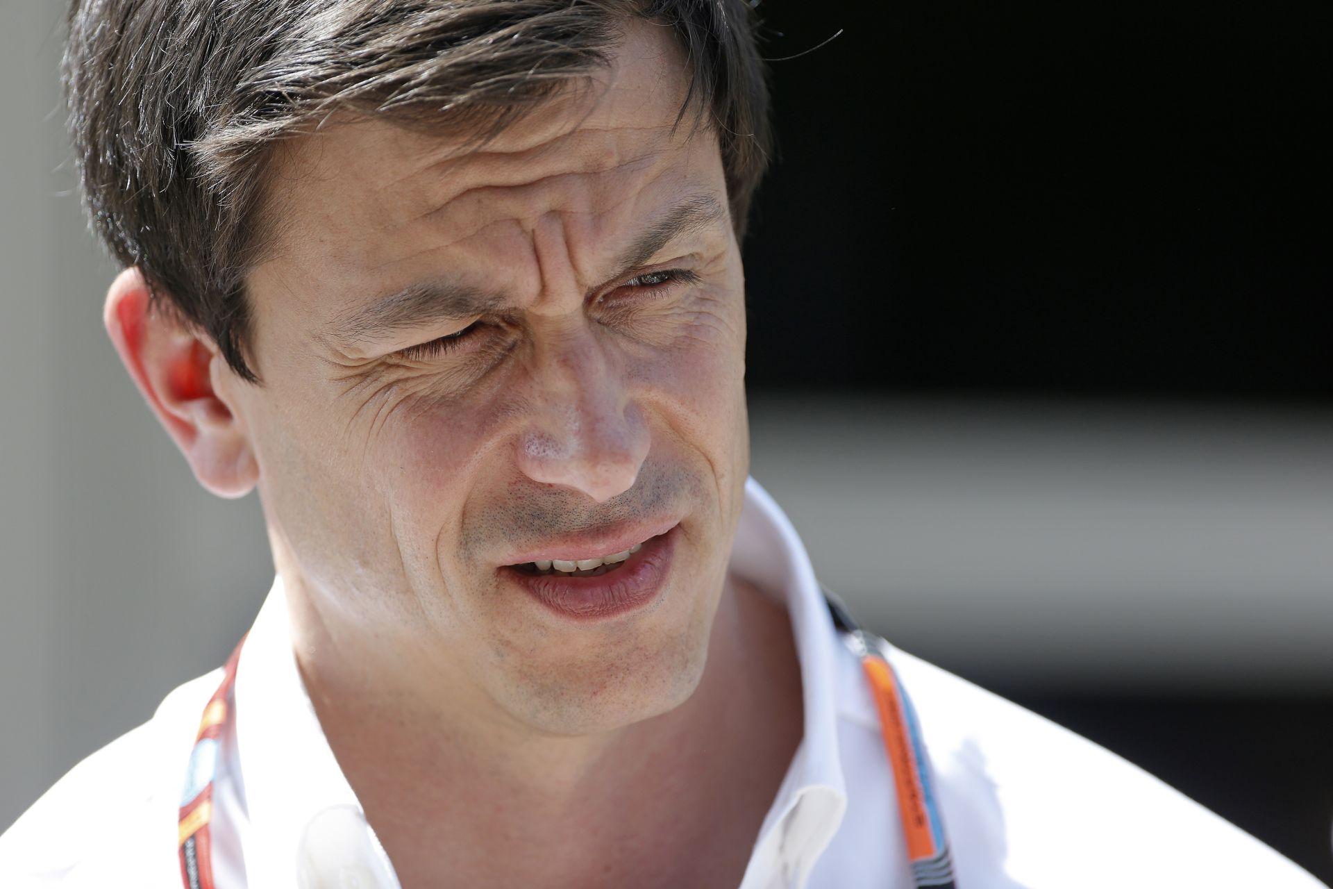 A Mercedes szerint a média többet lát bele Lewis mai esetébe, mint kellene...