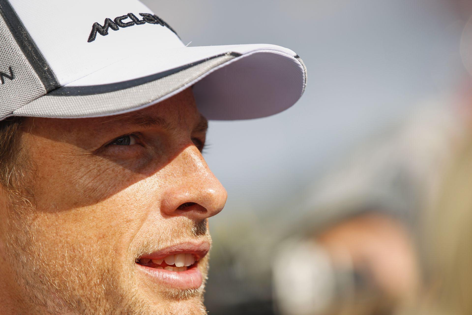 Button: Négy versennyel korábban megbüntették volna Rosberget