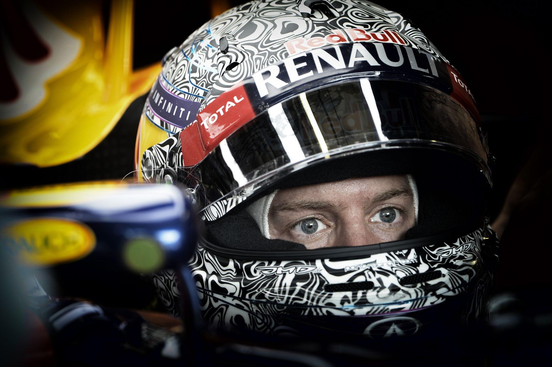 A Red Bull nem áll le: Megint egy új kasztnit kap Vettel