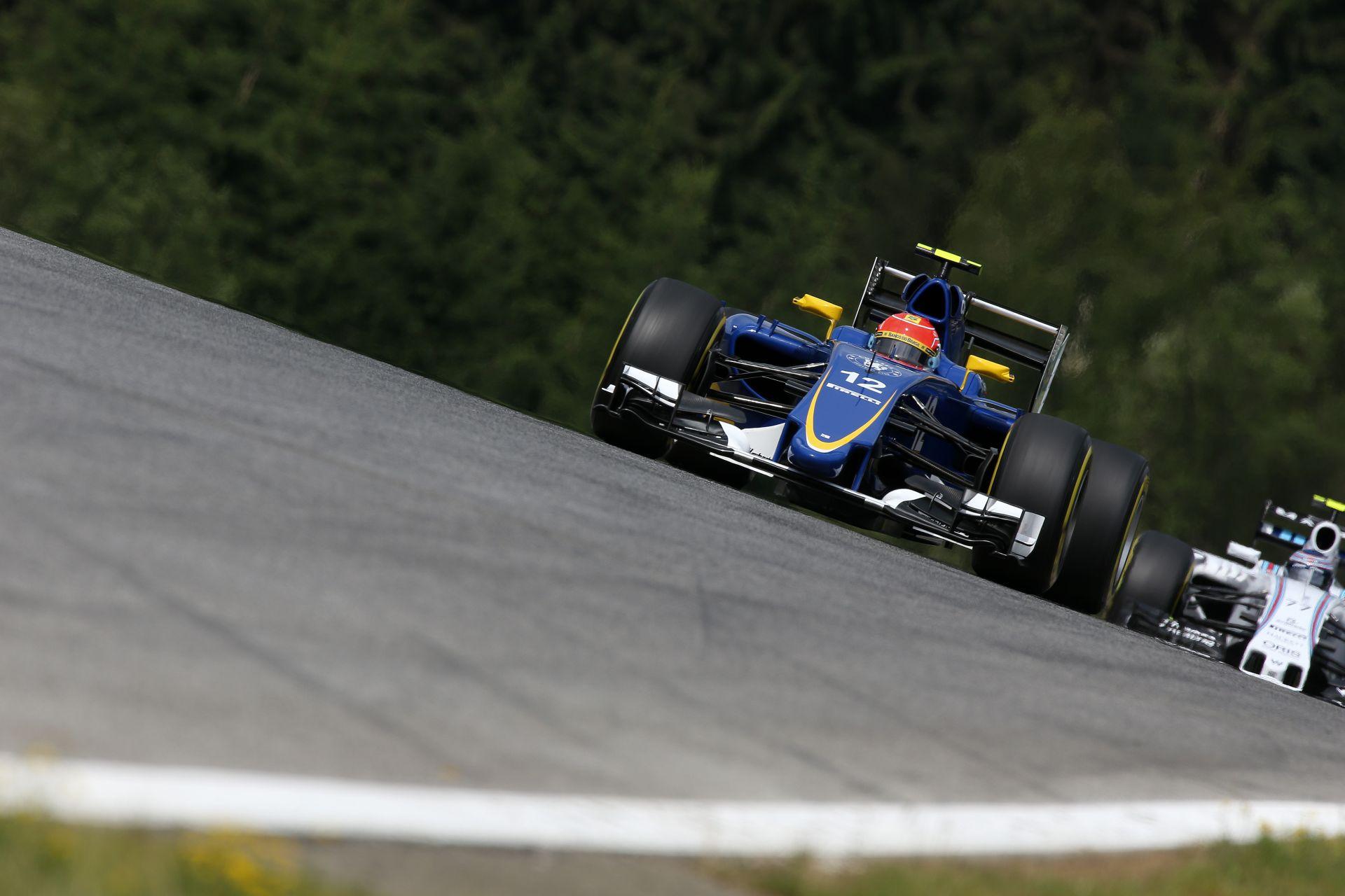 Ilyen egy kör egy modern F1-es autóval a néhai A1-Ringen