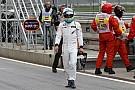 Alonso fájlalja a térdeit: 34G erővel csapódott be Raikkönennel