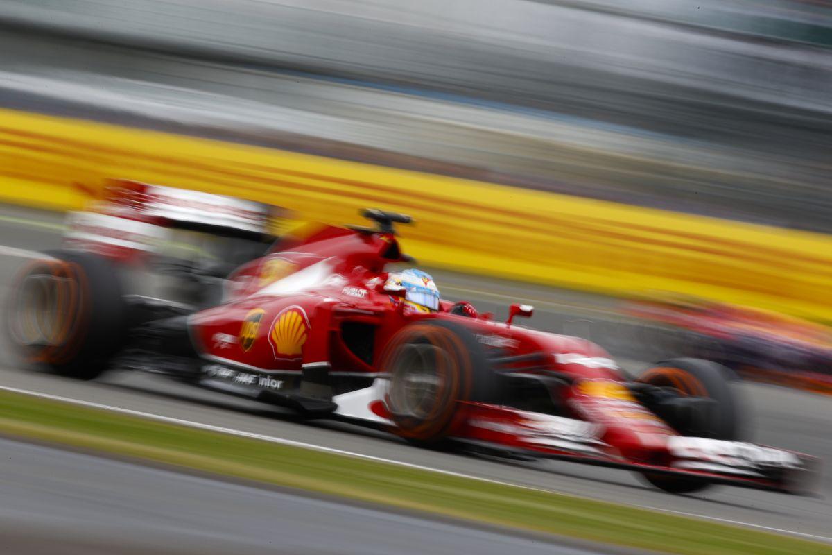 Az F14T kicsit gyorsan elrágja a gumikat - koordinációra van szüksége a Ferrarinak