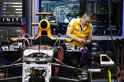 A Red Bull 2 másodpercre van az éltől, a Renault még mindig kivár a teljesítménnyel