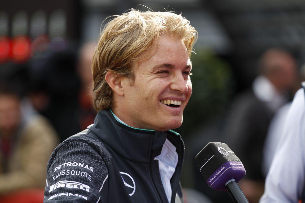 A médiában volt zűrzavar, nem a Mercedesnél: Hamilton és Rosberg továbblépett