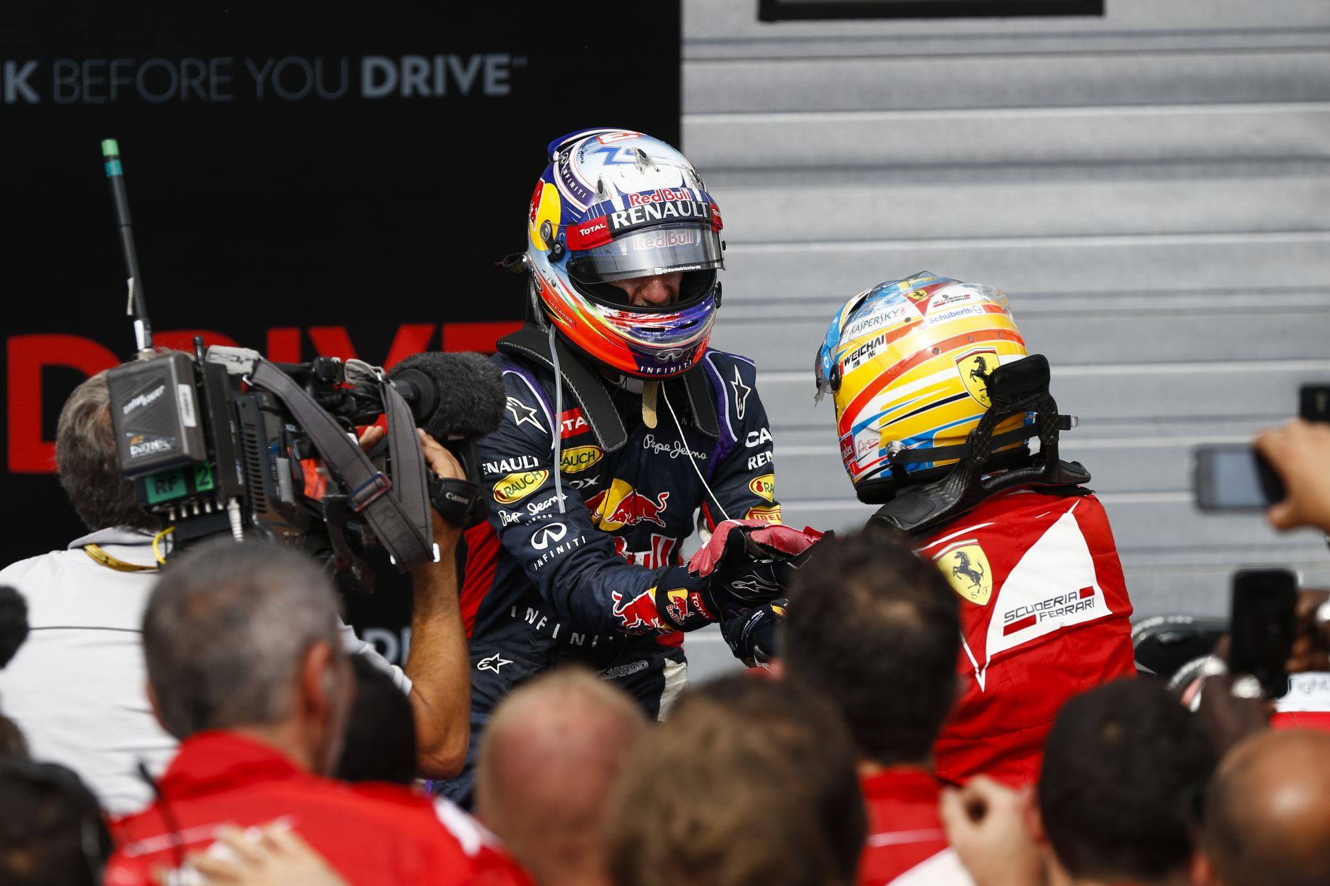 Alonso nem hisz abban, hogy Ricciardo idén bajnok lehet a Red Bullal